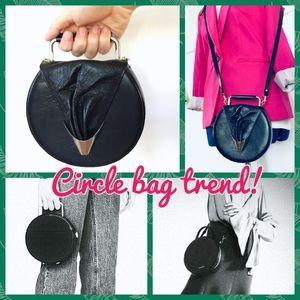 Handbags - Black circle bag handle crossbody clutch purse